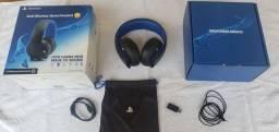 Fone de ouvido PlayStation Gold Wireless Stereo Headset 7.1 para PS4, PS3 e PS Vita.