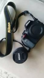 Nikon D3300 com lente nikkor 18-55mm