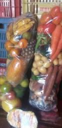 Cesta de Legumes e Frutas.