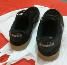 Tênis  cor preto