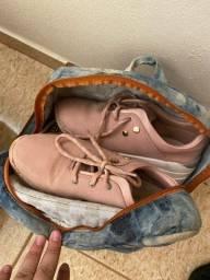 Doação roupas e sapatos feminino