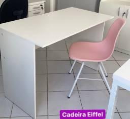 Conjunto mesa 1,10 x 0,60m com cadeira Eiffel eams