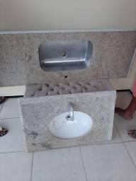 Pia de cozinha e banheiro