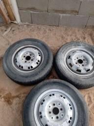 Roda 13 4 furos com pneu!