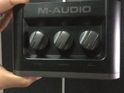 Placa de áudio M-audio fast track
