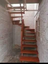 Escadas de madeira de ótima qualidade