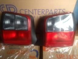 Par de lanternas do Fiat e molduras
