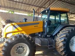Trator de Pneu BH180