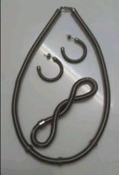 Conjunto de colar, pulseira e brincos de metal (novo).