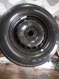 Vende se quatro pneus semi novos com jante e carlotas aro 14