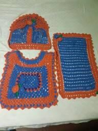 Kit tapetes feito em crochê para banheiro