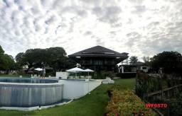 Mansão em Fortim Ceará, casa tríplex, 6 suítes, projetada e mobiliada, próximo ao Centro.