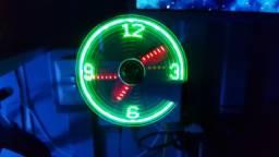 Relógio usb led