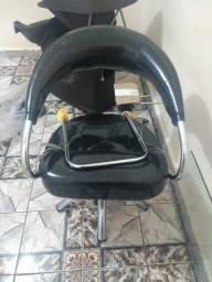 Cadeira hidráulica preta