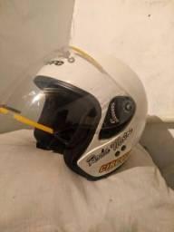Vendo capacete bieffe número 56 em ótimo estado de conservação