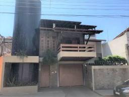 Casa com 4 vagas de garagens e espaço gourmet no vila rica!