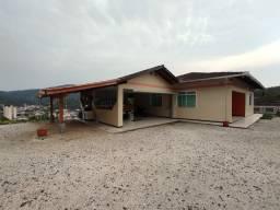 Alugo casa no Garcia água+luz incluso