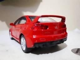 Miniatura Mitsubishi Lancer Evolucion escala 1/43