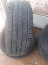 Vendo 4 pneus  para camionete 265 / 60 R 18 todos em perfeito estado