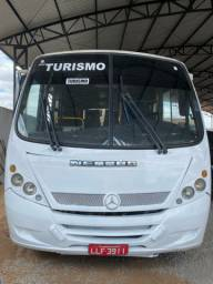 Micro ônibus Mercedes-Benz