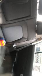 Vendo Sportage flex , branca , 2015 única dona. Com nota fiscal , manual e chave reserva