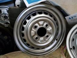 Uma roda do Fusca Itamar