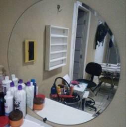 Expositor de esmalte, bancada com duas e um espelho redondo