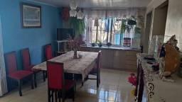 Vendo ou troco casa com edícula no bairro Umbará