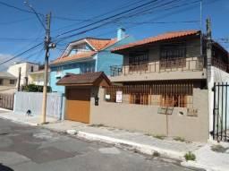 Casa para Venda em Curitiba, Cajuru, 6 dormitórios, 3 banheiros, 2 vagas