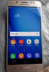 """Samsung J5 Metal, tela 5"""", 16 GB rom e 2GB ram, ótimo estado"""