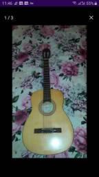 Vendo um violão semi novo