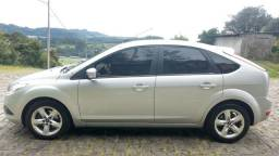 Ford Focus 2.0 GLX Hatch completo