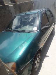 Vendo Ford Fiesta.