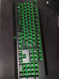 Razer Blackwidow V5 Chroma + Mousepad Razer