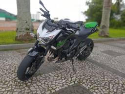 Kawasaki Z-800 ABS 2017 baixo Km