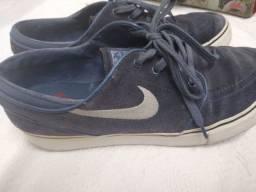 Tênis Nike 40 em Canoas