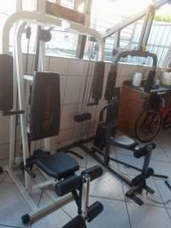 Estação de musculação por $999 a vista.