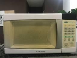 Microondas ELECTROLUX 21L
