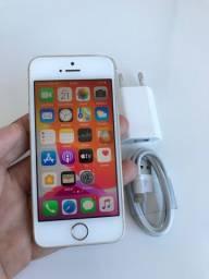 iPhone SE 32gb dourado (mesma configuração do 6s com aparência do 5s)