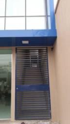 Centro-Apartamento para Casal ou Solteiro Alugo na Av Constantino Nery com Garagem