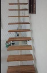 Escadas projetadas.