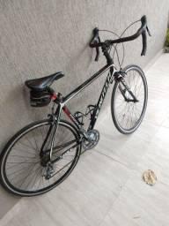 Vendo bicicleta speed muito nova