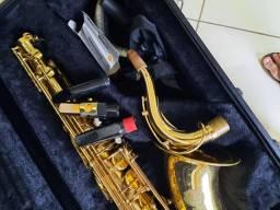 Sax tenor Eagle acompanha case