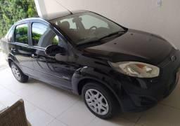 Fiesta 1.6 Class sedan, única dona com apenas 63.000 Km!!!