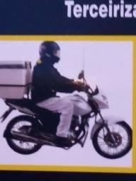Motoqueiro com moto experiência