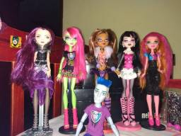 Vendo Bonecas Monster High