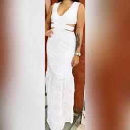 Vestido longo de festa branco tamanho G igual ao da foto nunca foi usado