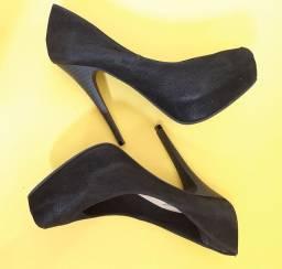 Sapato preto meia pata