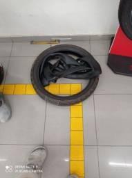 Vendo pneu semi-novo e duas câmaras novas