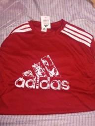 vendo camiseta Adidas novas  Várias cores a pronta entrega 25 reais cada entrego
